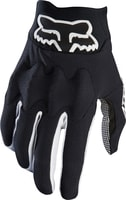Attack Glove Black/White